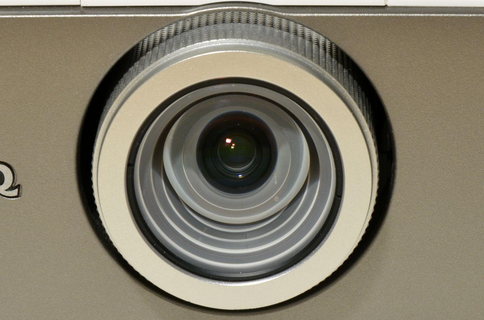 BenQ W1400 oferă un raport calitate/preţ atractiv pentru crearea unui cinematograf acasă